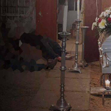 Asesinato en funeral