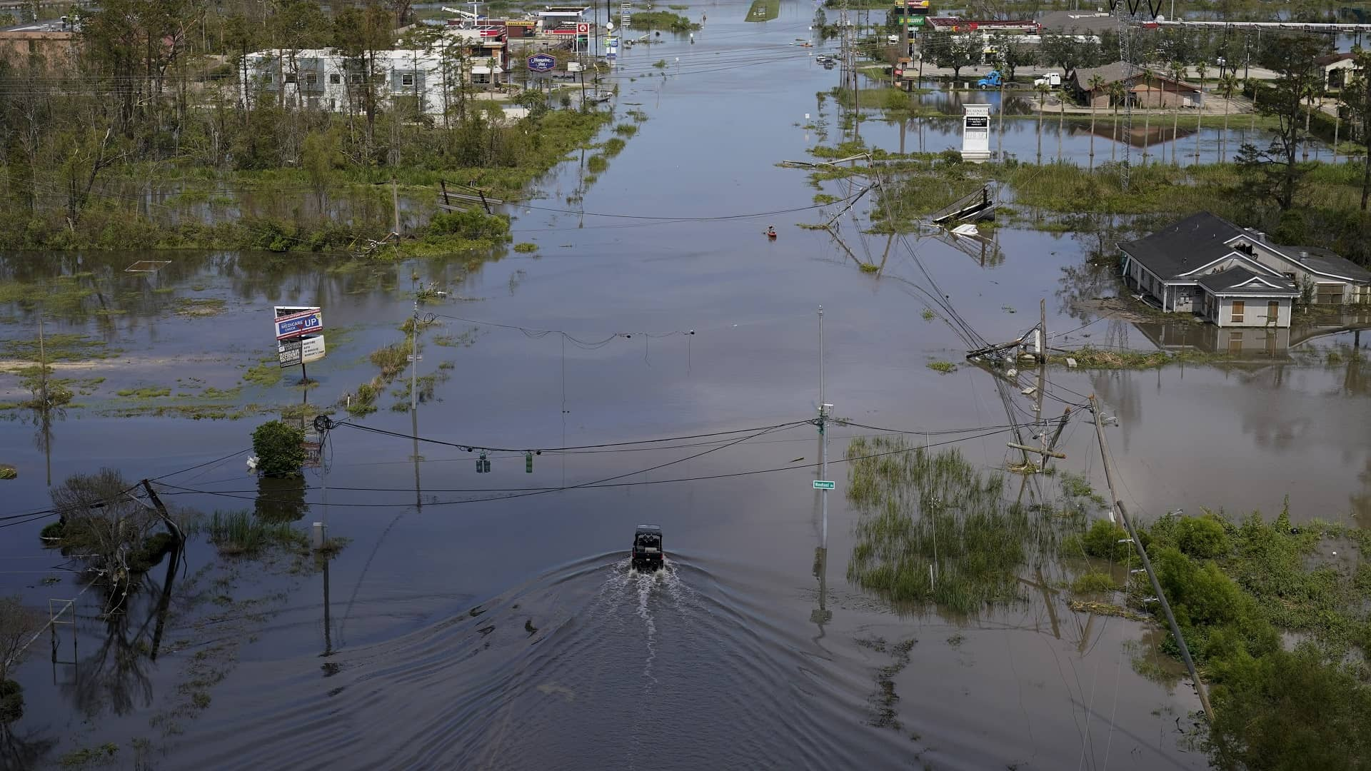 Al menos 46 personas han muerto en el noreste de EEUU por las fuertes lluvias que dejó Ida